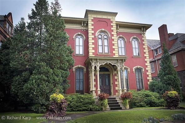 The Harrar House 915 West Fourth Street